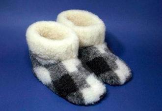 Как сшить домашние сапожки из ненужных теплых вещей