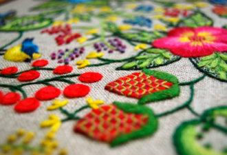 Что такое крюил: якобинская вышивка в наши дни