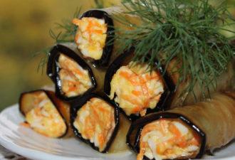 Вкусные закусочные рулеты из баклажанов с корейской морковью и сыром