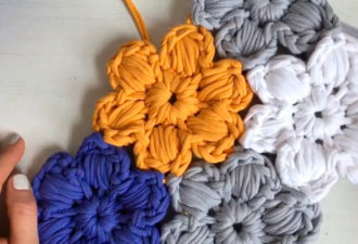 Цветочная поляна безотрывным вязанием — цветы соединяются сразу