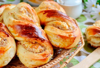 Ореховые булочки — идеальный вариант десерта к чаю для выходных