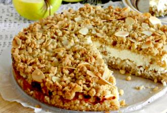 Пирог из овсяных хлопьев с творогом и яблоками