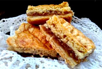 Деревенский яблочный пирог из песочного теста