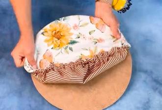 Простой способ сделать сервировку стола стильной и красивой. Понадобится лоскут ткани, картон и проволока
